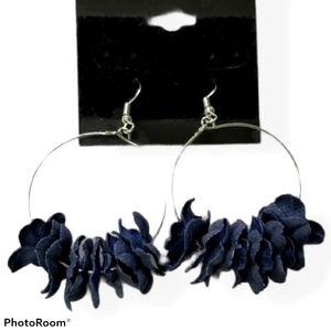 🔥2/$30🔥Flirty Florets Blue Earring